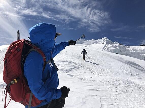 Sebastian-Soltani-climbing-a-mountain-in-Nepal